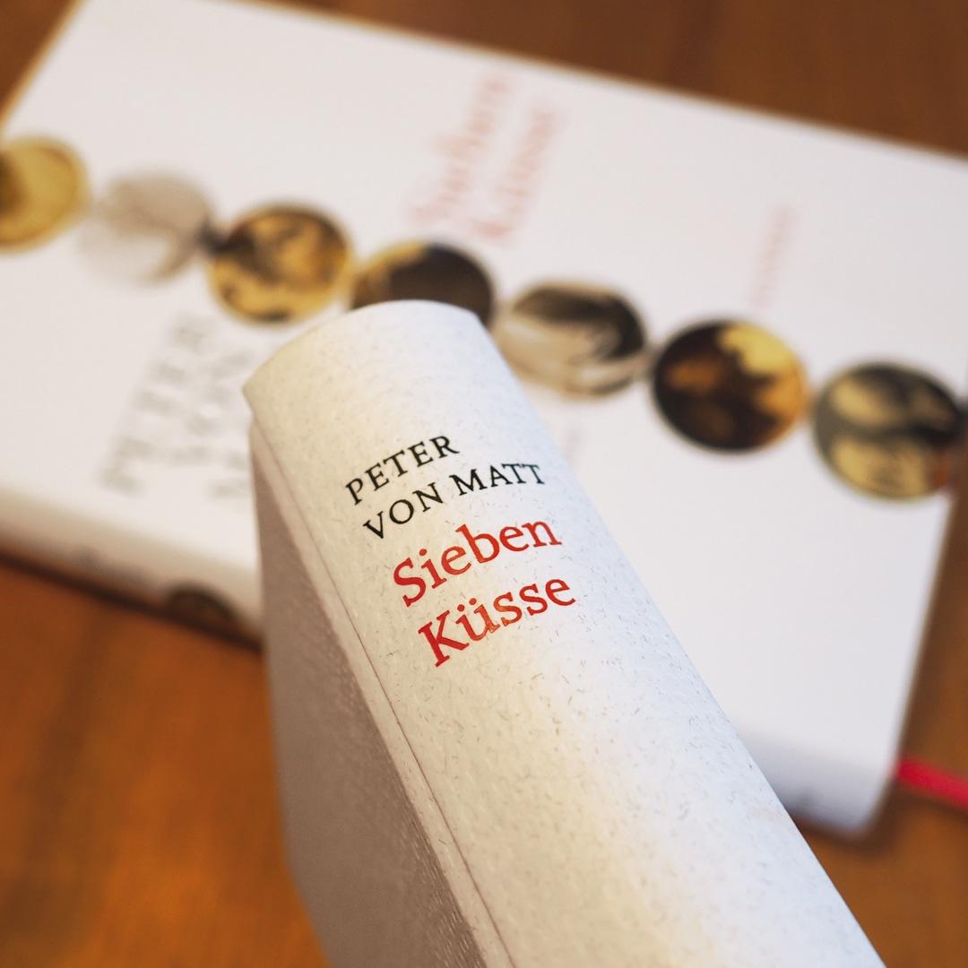 Sieben Küsse